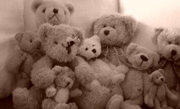 Mātes nāve dzemdībās: Lems par trīs bāreņu nodošanu aizbildniecībā radiem