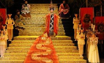 Foto: LNO pirmizrādi piedzīvos 1973. gada Pučīni 'Turandotas' iestudējuma atjaunojums