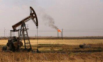 Naftas cenas pieaug, biržu indeksi kāpj ASV un krītas Eiropā