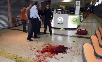 Vardarbība Izraēlā: uzbrukumā Beerševā nogalināts karavīrs
