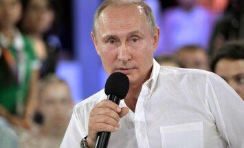 Es varu neatstāt prezidenta amatu, uzsver Putins