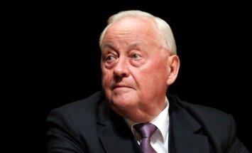 No amata atkāpies Latvijas Zvērinātu advokātu padomes priekšsēdētājs Grīnbergs