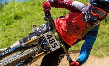 Latvijas kalnu riteņbraucēja Zibasa triumfē Pasaules kausa junioru meiteņu konkurencē