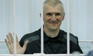 Jau šodien no cietuma varētu iznākt Hodorkovska biznesa partneris Ļebedevs