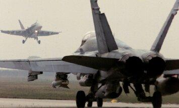 Šveices kara lidmašīna bīstami pietuvojusies Krievijas delegācijas lainerim