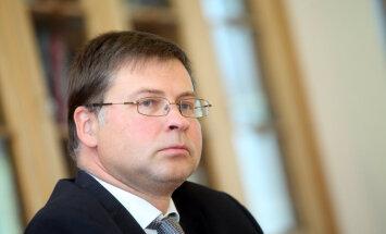 Dombrovskis no Īrijas premjera saņēmis vislētāko dāvanu