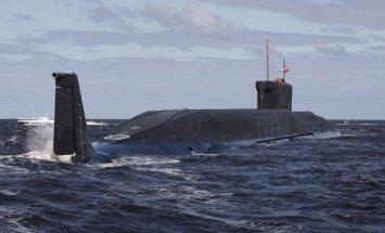 Latvijas robežas tuvumā 'siro' Krievijas zemūdene un kuģis