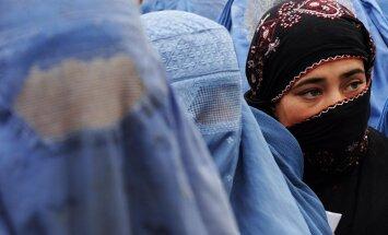 Francūži visvairāk pārspīlē musulmaņu īpatsvaru, secināts aptaujā