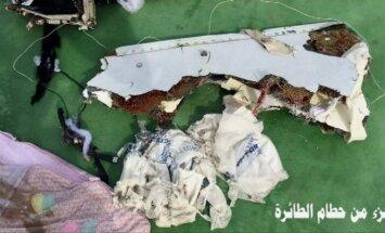 'EgyptAir' katastrofa: Publiskoti pirmie fotoattēli ar Vidusjūrā atrastajām atlūzām