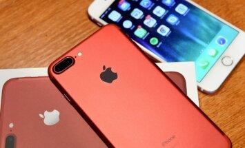 Foto: Latvijā sāk tirgot jauno sarkano 'iPhone'