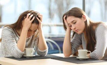 Naids starp pieaugušiem brāļiem un māsām: kādas kļūdas pieļāvuši vecāki