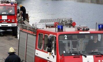 Ugunsgrēkā Rēzeknē evakuējas 60 cilvēki; viens cietis