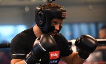 WBC pasaules čempions Beljū: Briedis ir ļoti spēcīgs bokseris