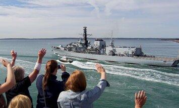 Britu karakuģis dodas uz Gibraltāru