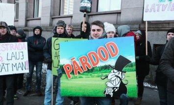 Sankciju kari: Baltijas zemnieki prasa ES palīdzību; Latvijā zaudējumi – 120 miljoni eiro