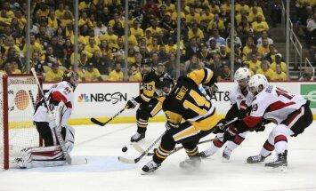 'Penguins' dramatiskā divu pagarinājumu cīņā izcīna vietu Stenlija kausa finālā