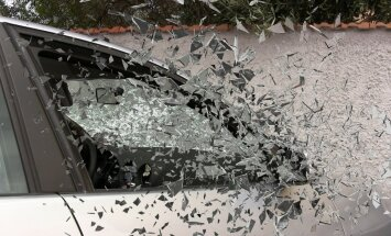 При столкновении двух автомобилей пострадали четыре человека