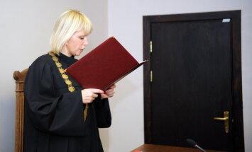 Parlaments atļauj sākt kriminālvajāšanu pret atstādināto tiesnesi Orniņu