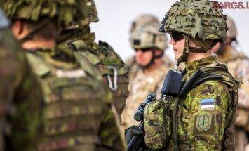 Жители Латвии меньше доверяют армии, чем жители Литвы и Эстонии