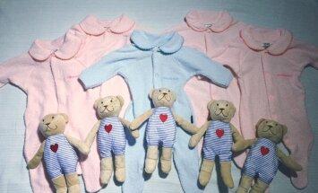 Austrāliete divu minūšu laikā pasaulē laiž piecīšus – četras meitiņas un dēlēnu