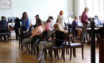 Topošie studenti LU izveido pamatīgu rindu