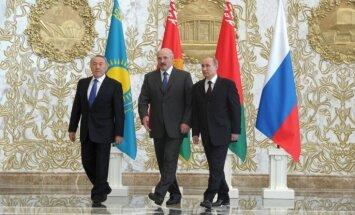 Putins, Lukašenko un Nazarbajevs parakstījuši līgumu par Eirāzijas ekonomisko savienību