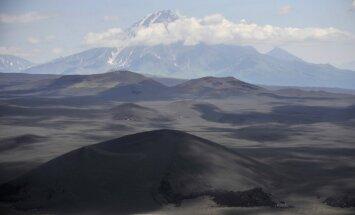 Vulkāna izvirdums Kamčatkā iznīcinājis zinātnisko bāzi