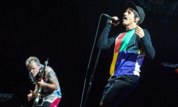 ФОТО. Ригу встряхнул концерт Red Hot Chili Peppers: пришли 30 000 зрителей