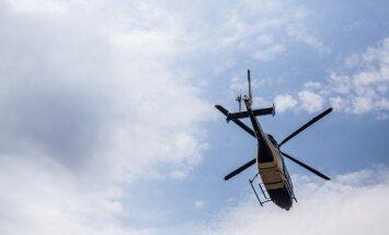 Austrālijā tēvs pazuduša dēla meklēšanai noīrē helikopteru un atrod jaunieti 10 minūtēs