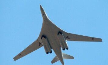 Četru Eiropas valstu iznīcinātāji pārtvēruši Krievijas virsskaņas bumbvedējus Tu-160