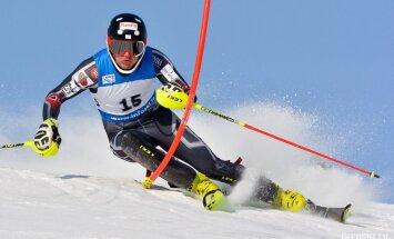 Zvejnieks Pasaules kausa slalomā Zagrebā izstājas pirmajā braucienā