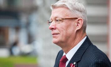 Zatlers 'Oligarhu lietas' parlamentārās izmeklēšanas sēdē varētu piedalīties decembra sākumā