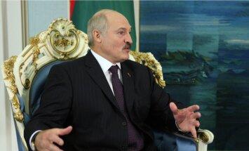 """Лукашенко призвал США """"ограничить аппетиты"""" после удара по Сирии"""