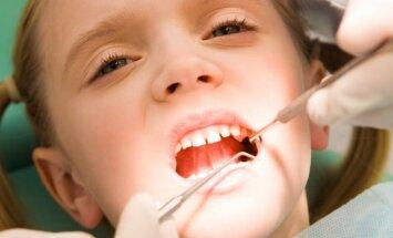 'Nāciet janvārī'. Kur bērniem līdz 18 gadu vecumam zobus ārstē bez maksas un bez garām rindām