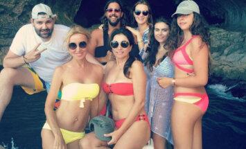Igora Krutoja meita publicē ļoti privātus ģimenes foto