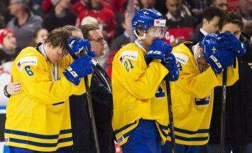 Par necienīgu uzvedību junioru PČ apbalvošanā diskvalificēti Zviedrijas izlases hokejisti un treneri