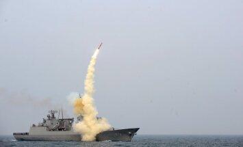 Obama sola aizsargāt Japānu ar ASV kodolvairogu