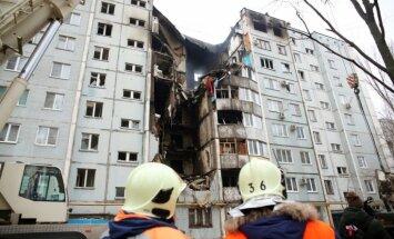 Foto: Gāzes eksplozijā bojātajā Volgogradas dzīvokļu namā atrasti četri bojāgājušie