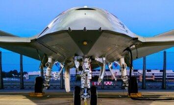 'Boeing' atrāda pirmo bezpilota gaisa tankera foto
