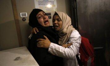 Foto: Sadursmē uz Izraēlas robežas nošauti divi palestīnieši