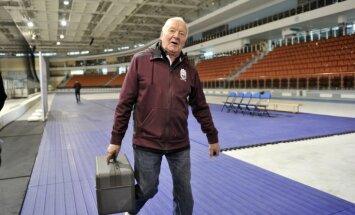 Ilggadējais Latvijas hokeja izlases ārsts Jānis Kvēps vairs nestrādās valstsvienībā