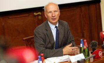 Ekonomikā parādās 'trekno gadu' pazīmes, secina Fiskālās disciplīnas padome