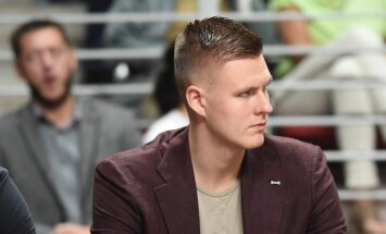 Porziņģis un Šteinberga atzīti par Latvijas gada basketbolistiem, trenera balva Zībartam