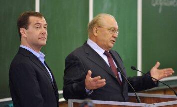 Dmitrijs Medvedevs ievēlēts par partijas 'Vienotā Krievija' priekšsēdētāju