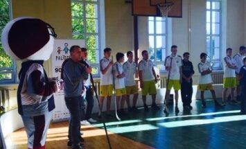 'Dinamo Rīga' viesojas Piejūras internātpamatskolā un dāvina kanisterapijas nodarbības visas sezonas garumā