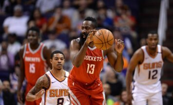 'Rockets' basketbolisti puslaikā samet 90 punktus