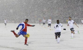 Apstādinātā mirkļa burvība sportā. Foto izlase 2013