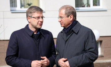 Rīgas dome iecerējusi atlaist 'Saskaņai' un GKR ziedojuša uzņēmēja parādu