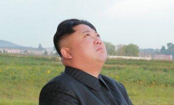 ASV nosaka sankcijas pret Ziemeļkoreju par tās vadoņa pusbrāļa slepkavību