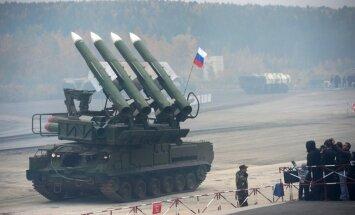 Zenītraķešu iekārta, ar kuru notriekts MH17, separātistiem piegādāta no Krievijas, paziņo Kerijs